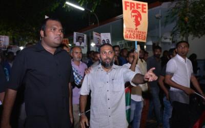 Maumoon 'begged' to free Nazim: Imran
